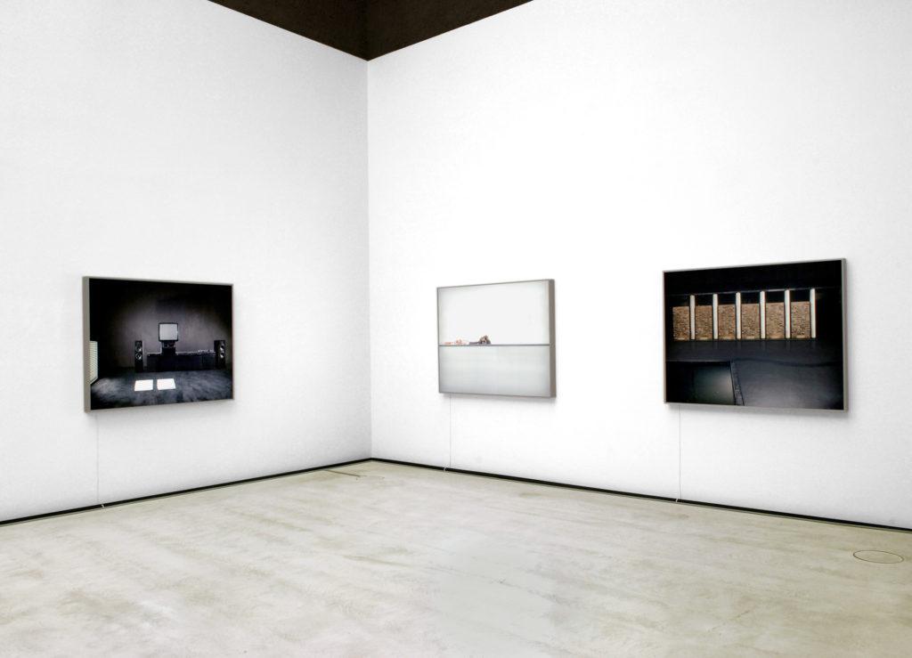 Place(ments), Kunsthalle im Lipsiusbau, Staatliche Kunstsammlungen Dresden, 2009 © E. Estel, H.P. Klut